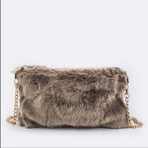 Handbags - 🔥😍Taupe Fur Crossbody Bag😍🔥